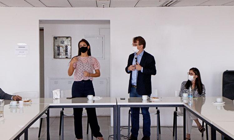 Imagem de uma reunião do Detran