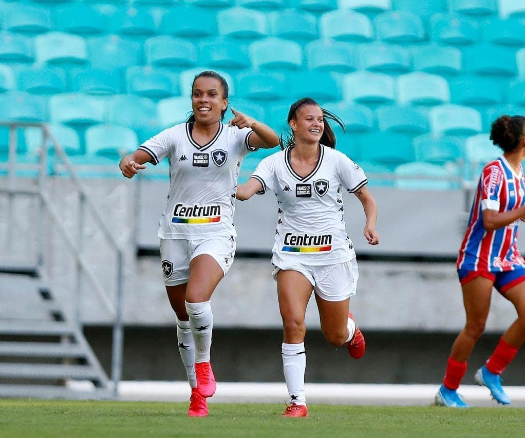 Vivian Cardoso comemorando o segundo gol das alvinegras. Foto: Felipe Oliveira/EC Bahia Official Photographer
