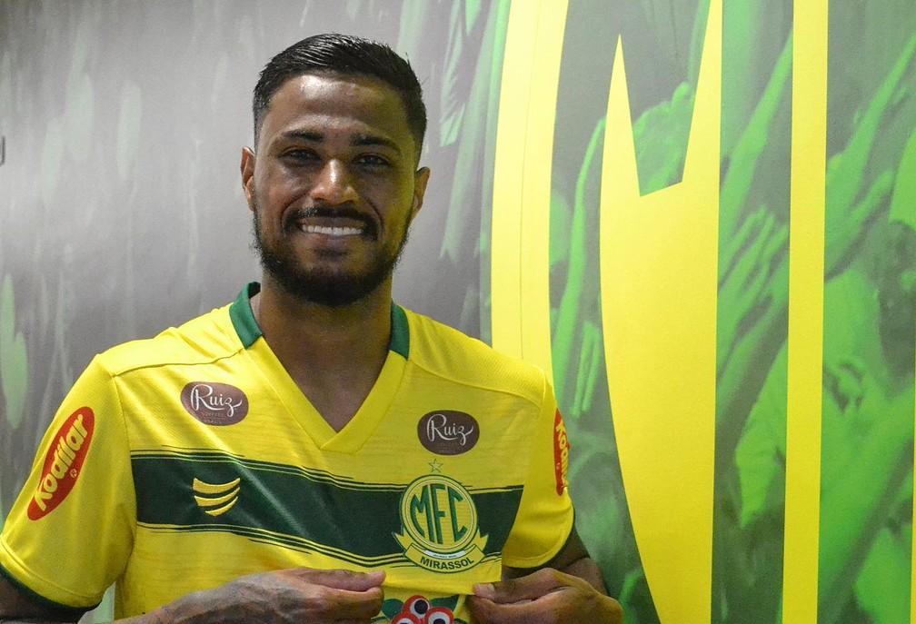 Diego Gonçalves escudo Mirassol. Jogador próximo do Botafogo