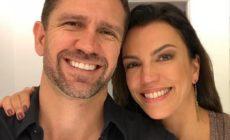 Apresentadora da Globo se declara ao namorado em clique raro nas redes