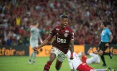 Conversa entre árbitro e VAR de Fla e Inter vaza e mostra discordância