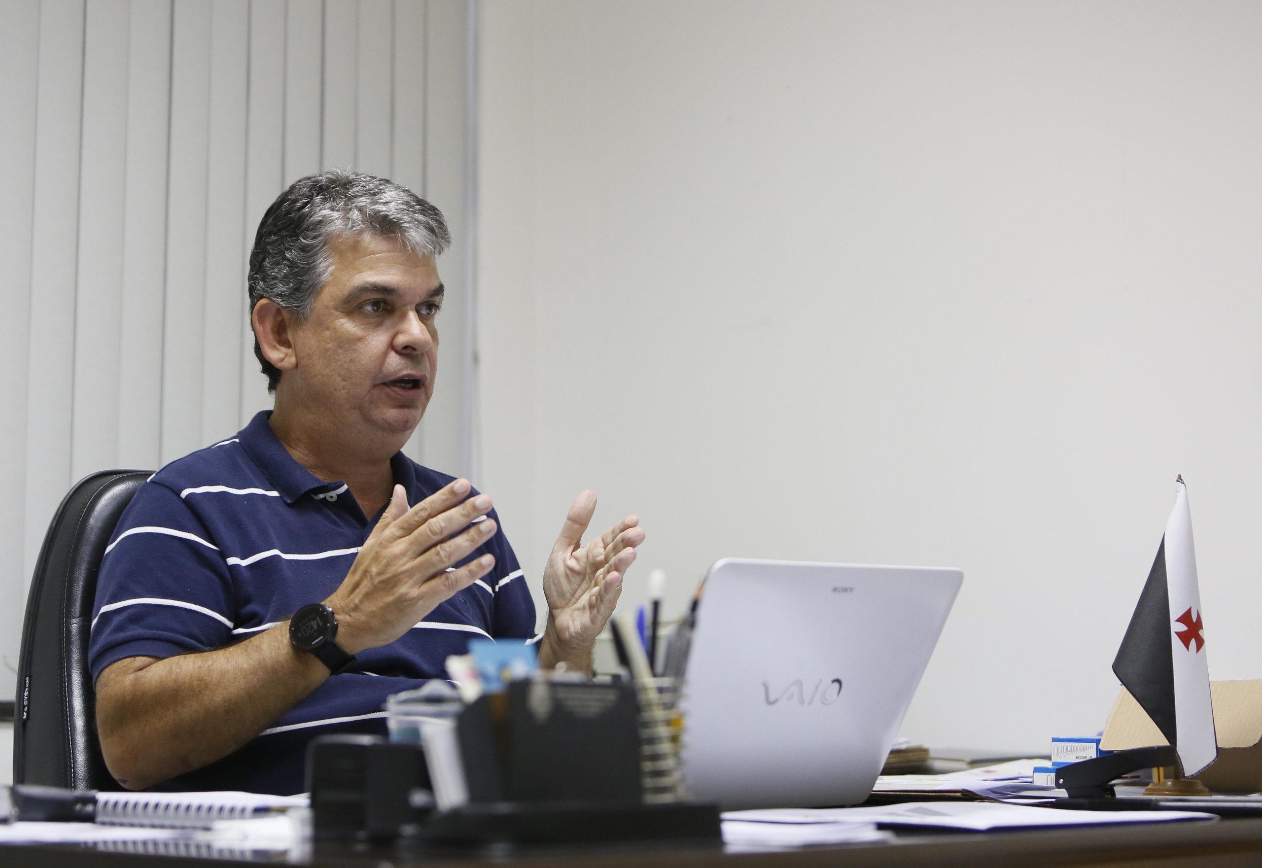 Carlos Brazil rejeita proposta para deixar o Vasco