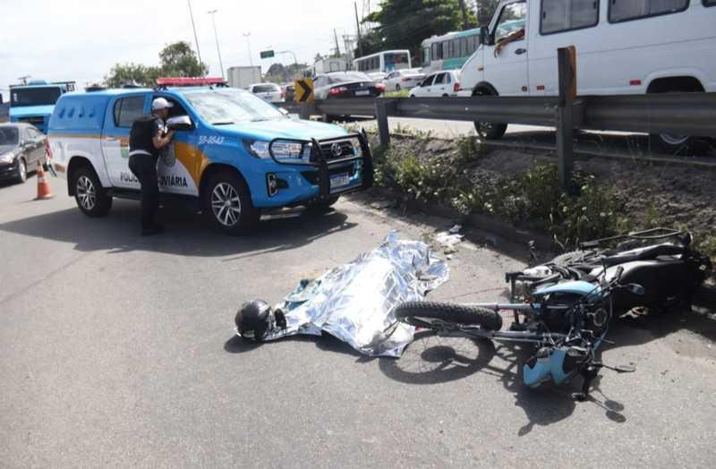 Motociclista morre em acidente na RJ-104, no Jardim Catarina. Foto: Reprodução Internet