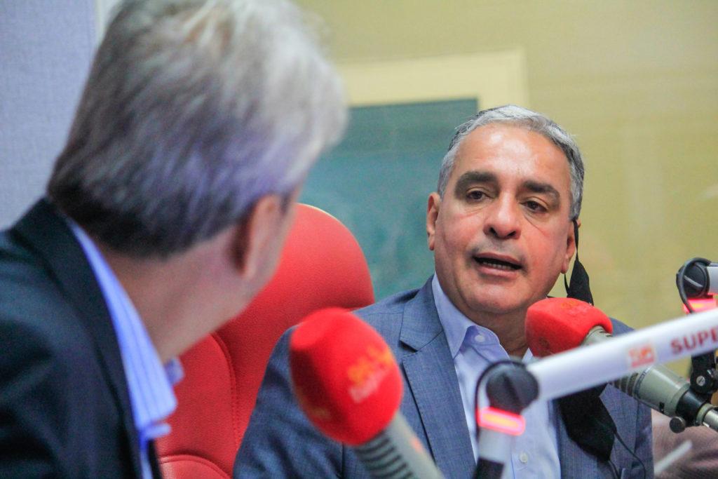Presidente da Alerj, André Ceciliano  em entrevista na Rádio Tupi