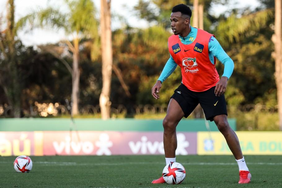 Gabriel Magalhães em ação pela Seleção Olímpica do Brasil