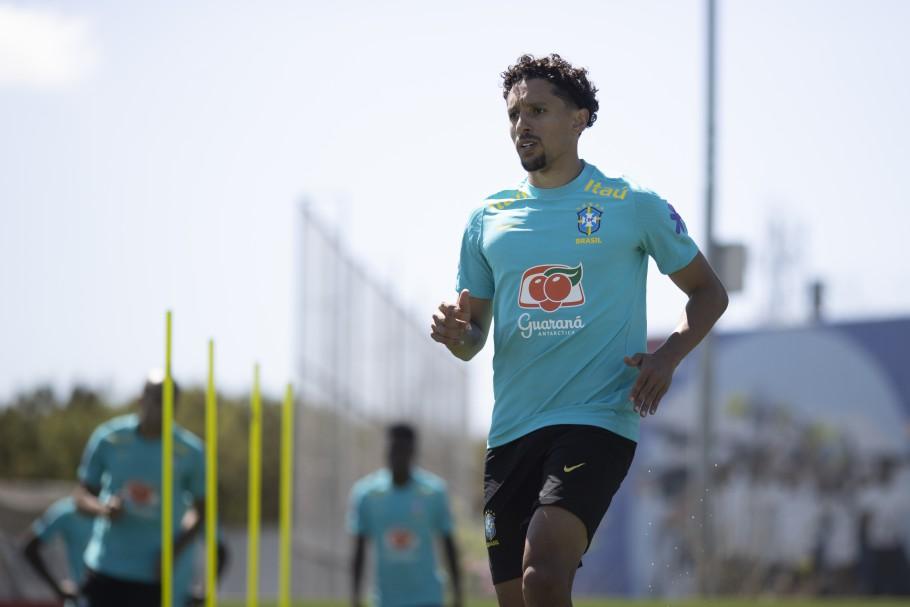 Zagueiro Marquinhos treinando pela Seleção Brasileira