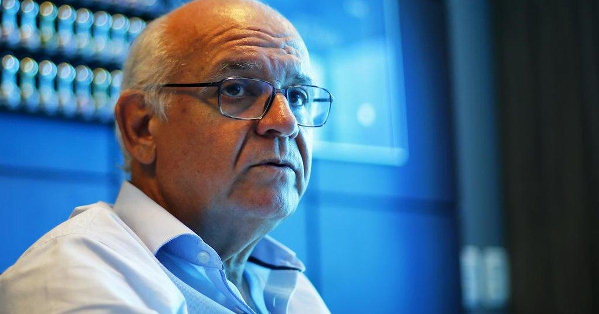 Presidente Romildo Bolzan em entrevista pelo Grêmio
