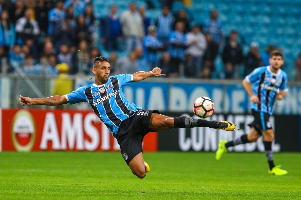 Michel em um jogo pelo Grêmio