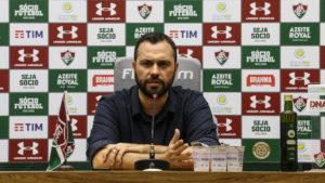 Fluminense negocia novos patrocínios para o uniforme