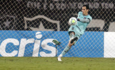 Gatito Fernández salva a noite e garante empate ruim para o Botafogo