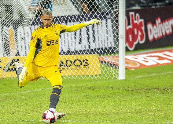 Gabriel Batista em ação pelo Flamengo
