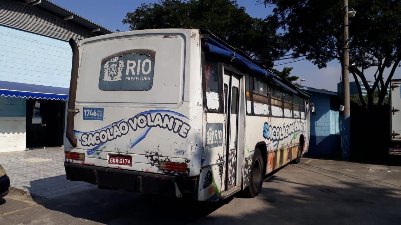 Imagem de um ônibus Sacolão Volante