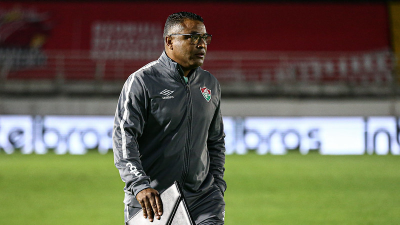 Roger Machado vive um bom momento no comando do Fluminense