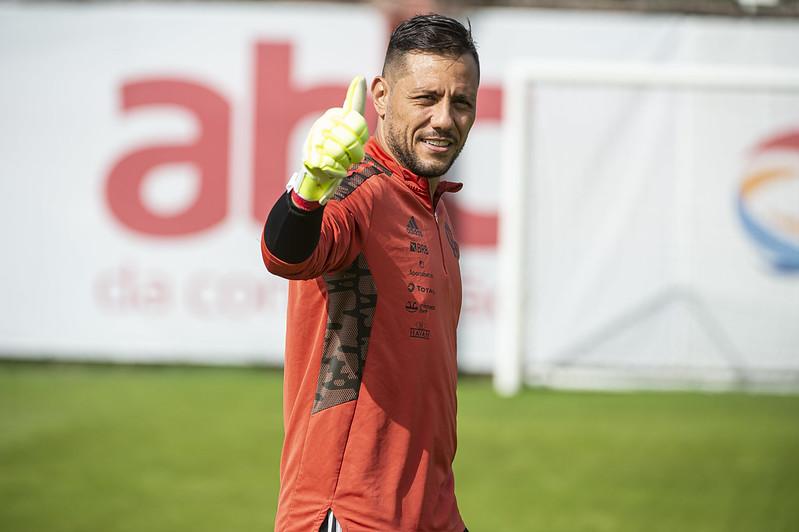 Diego Alves no último treino do Flamengo