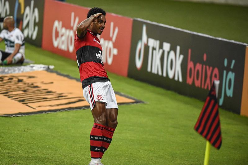 Vitinho vive sua melhor fase com a camisa do Flamengo