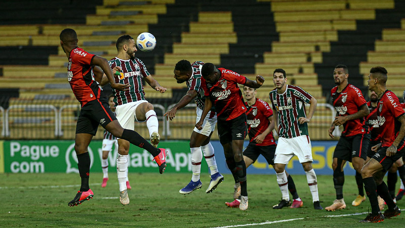 Fluminense foi goleado pelo Athletico em Volta Redonda
