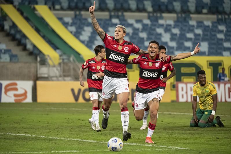 Pedro comemora gol sobre o Cuiabá pela Série A