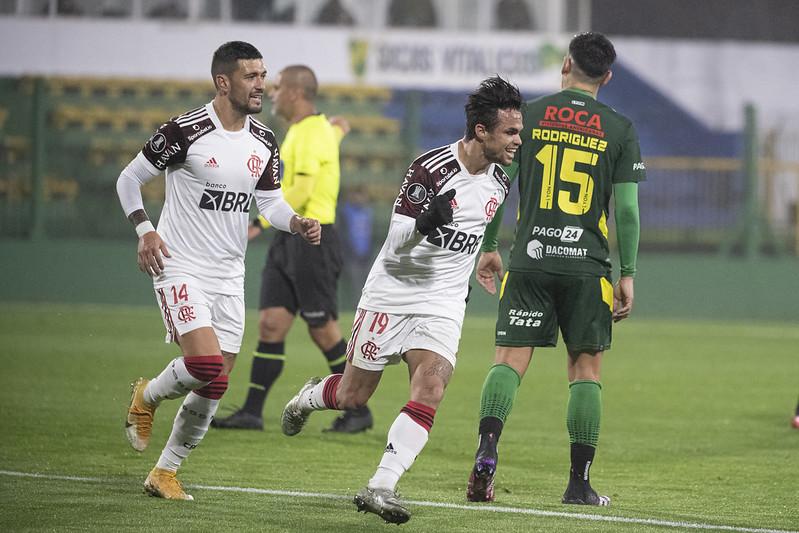 Michael vibra com o gol feito sobre o Defensa y Justicia pela Libertadores