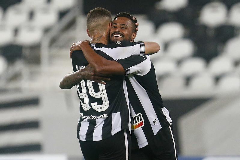 Diego Gonçalves marcou o segundo gol do Botafogo na vitória sobre o CSA