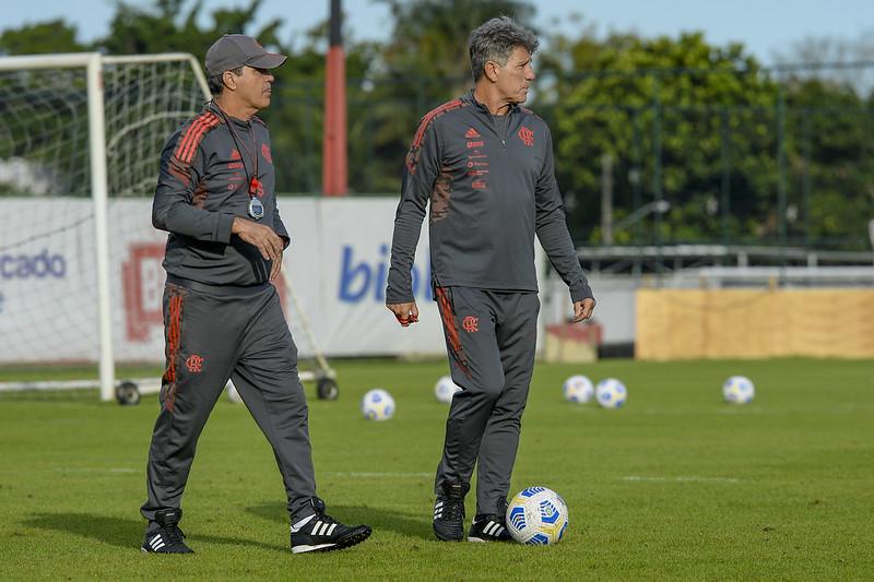 Renato Gaúcho comanda treino do Flamengo