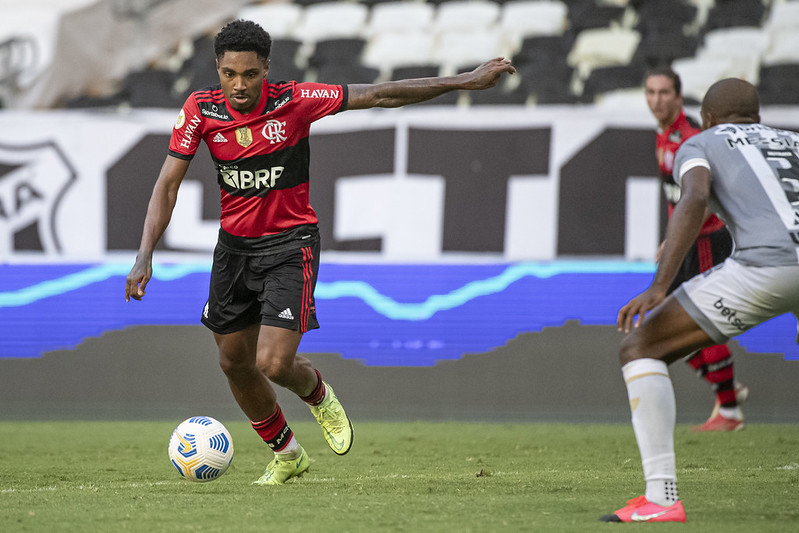 Vitinho marcou o gol do Flamengo contra o Ceará