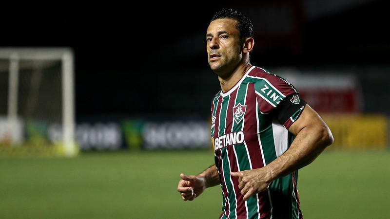 Fred durante jogo com o Atlético-MG