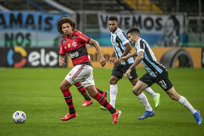 Flamengo goleia o Grêmio por 4 a 0 pelas quartas de final da Copa do Brasil