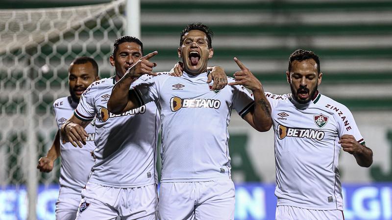 Bobadilla comemora um dos gols do Fluminense sobre a Chapecoense pelo Campeonato Brasileiro