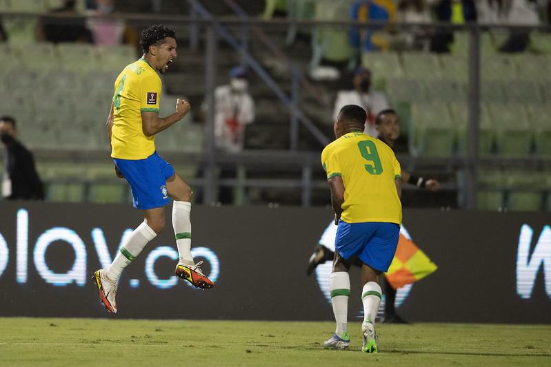 Marquinhos comemora gol contra a Venezuela