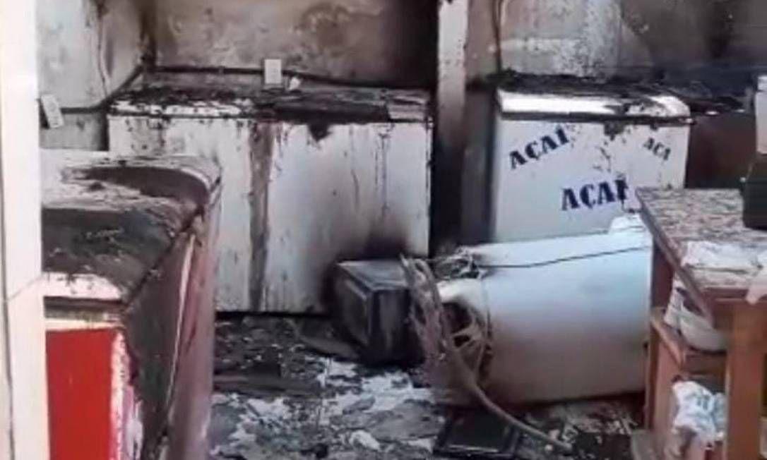 Parte do restaurante destruído pelo incêndio
