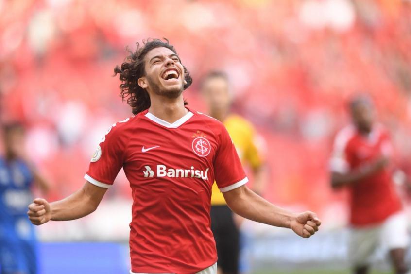 Nonato, do Internacional, interessa ao Fluminense