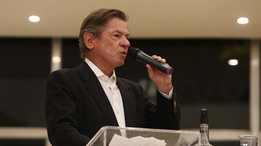 Presidente do Vasco Jorge Salgado discursando na sede do clube
