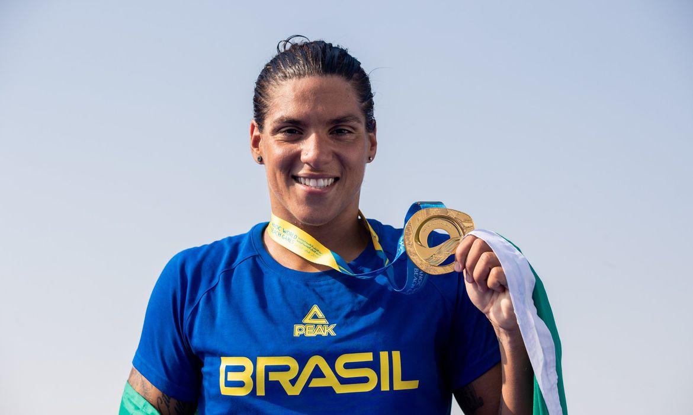 Ana Marcela Cunha é medalha de ouro nos 10 km de maratona aquática nos Jogos de Tóquio
