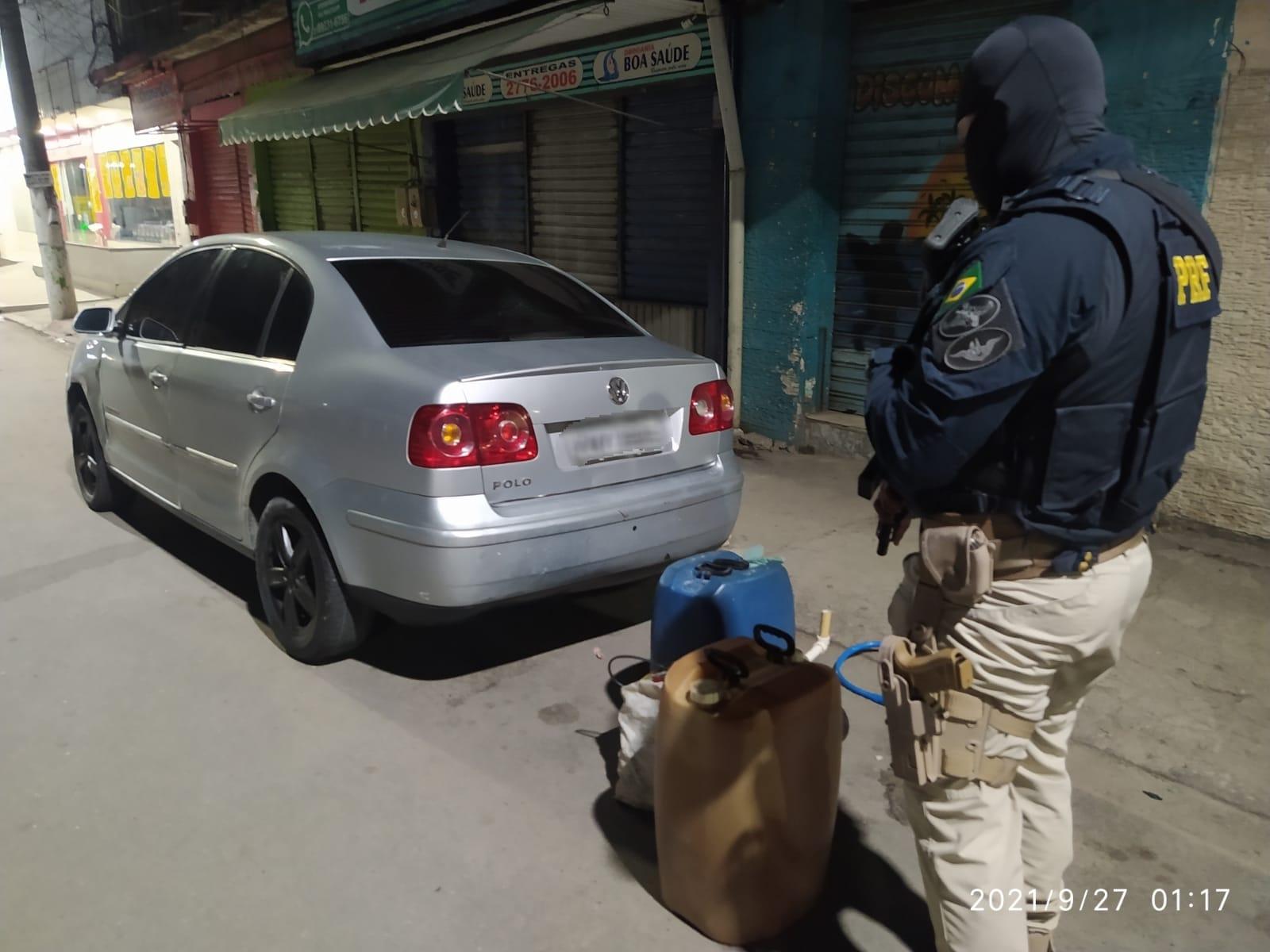 policial material apreendido