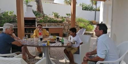 Johnny Lucet com familiares em Portugal