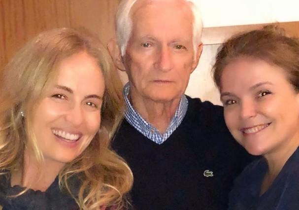 Angélica com o pai, Francisco, e a irmã, Márcia