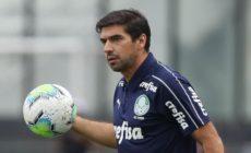 Palmeiras ainda tenta adiar dérbi após 19 casos de Covid-19 no Corinthians