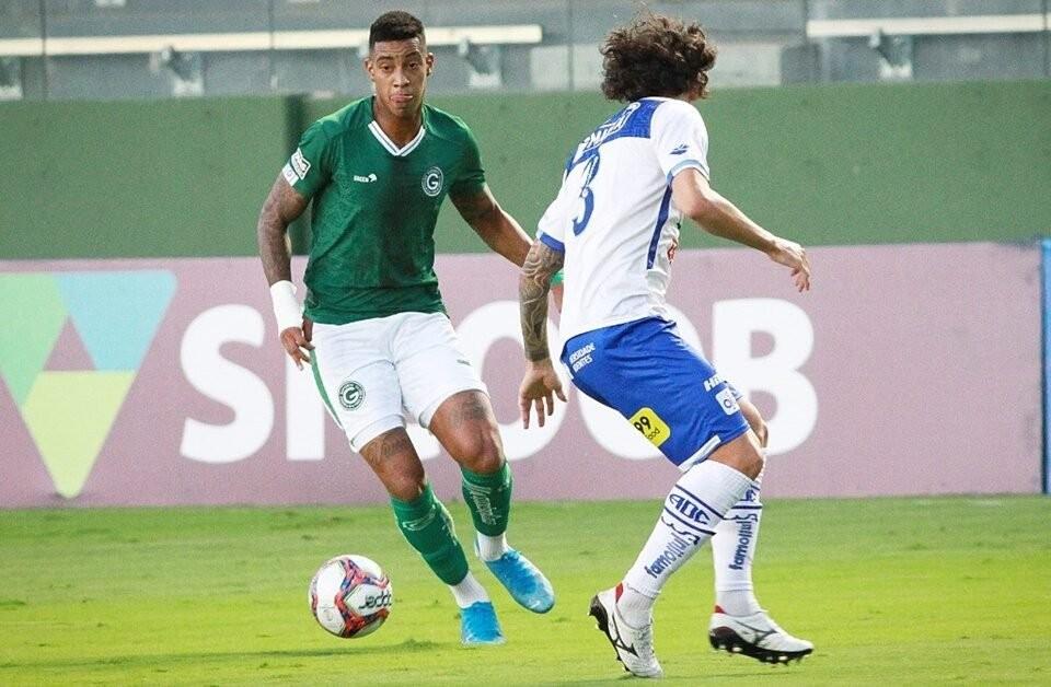 Alef Manga deve retornar ao Goiás contra o Botafogo