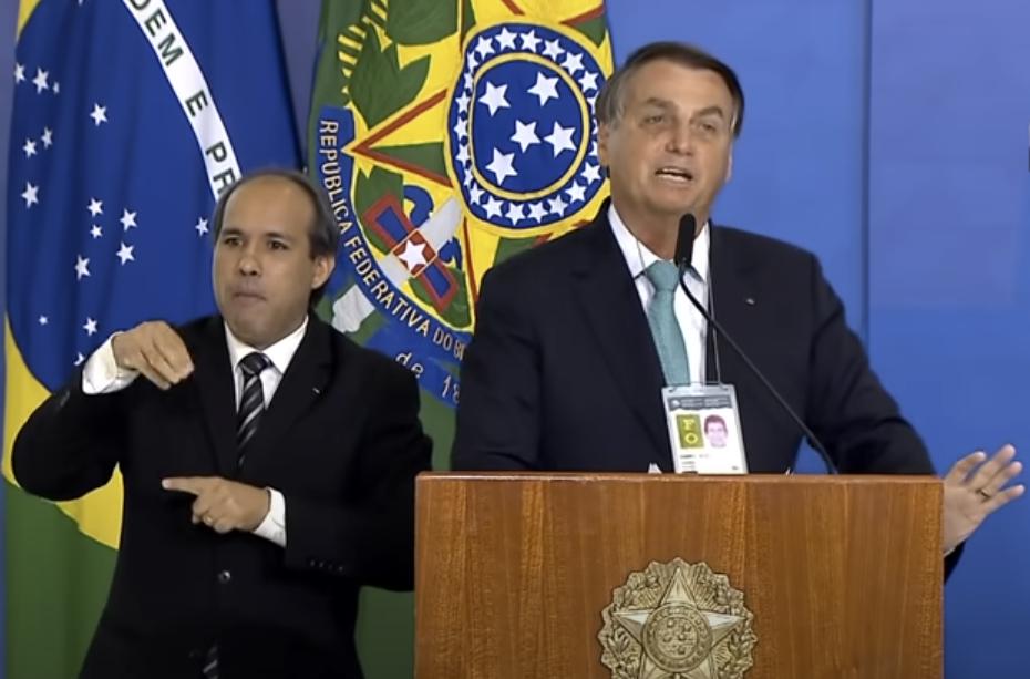 Bolsonaro durante pronunciamento nesta terça-feira (01)
