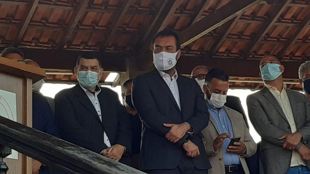 Governador Cláudio Castro em solenidade na Escola do Corpo de Bombeiros, em Guadalupe.