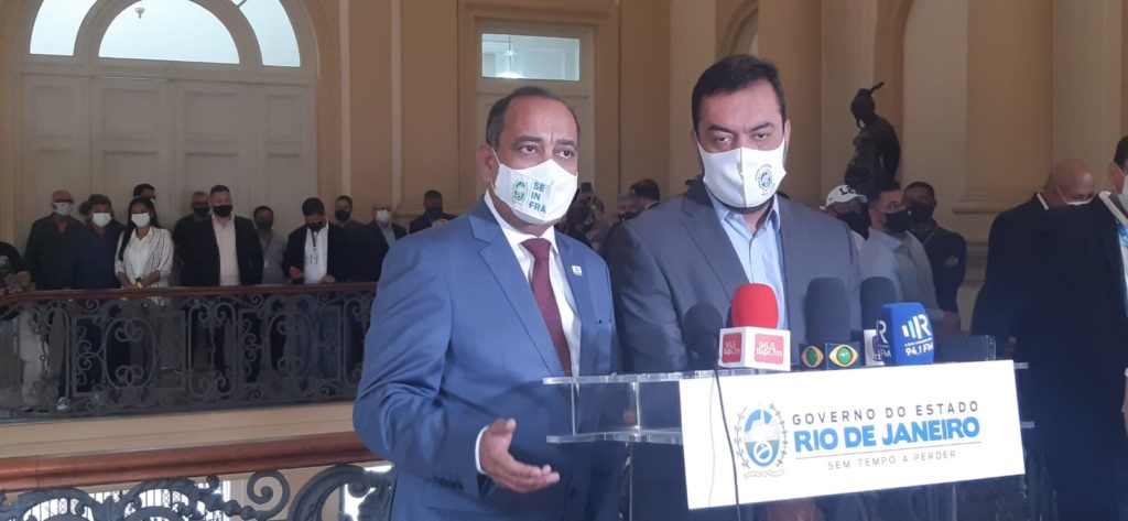 Imagem do governador Cláudio Castro e o secretário Max Lopes