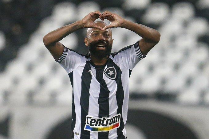 Chay comemora gol pelo Botafogo