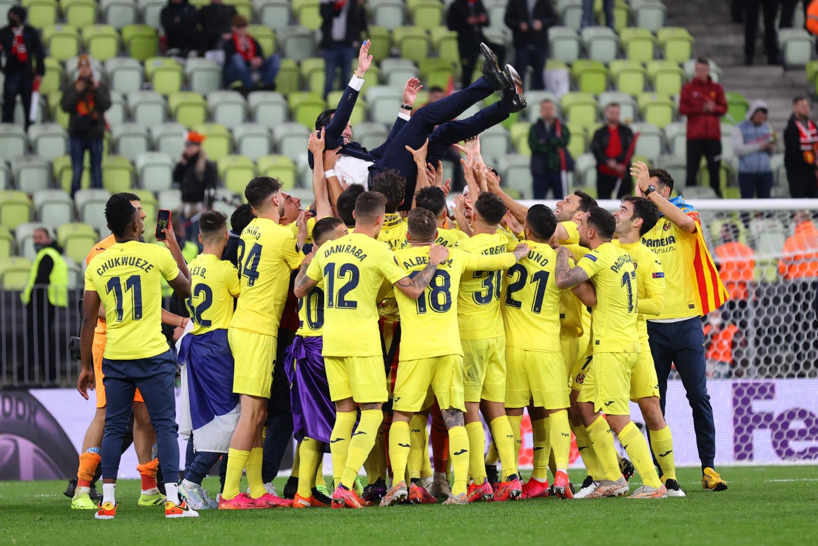 Time do Villarreal comemora título da Liga Europa