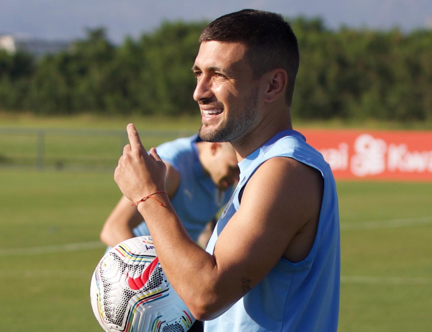Arrascaeta em ação pelo Uruguai