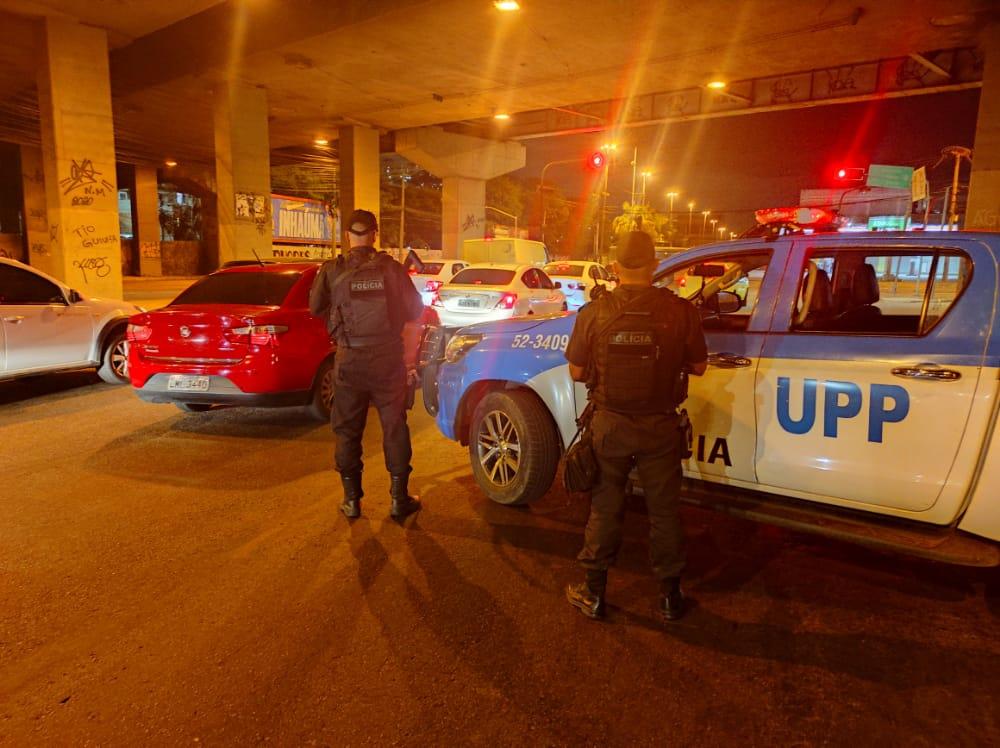 imagem de policiais militares