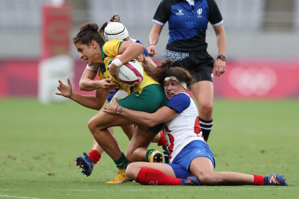 Jogadora da seleção brasileira de rúgbi feminino contra a França