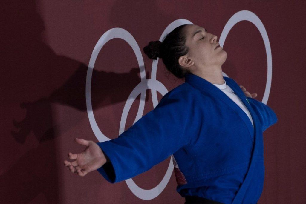 Mayra Aguiar medalhista de bronze para o Brasil