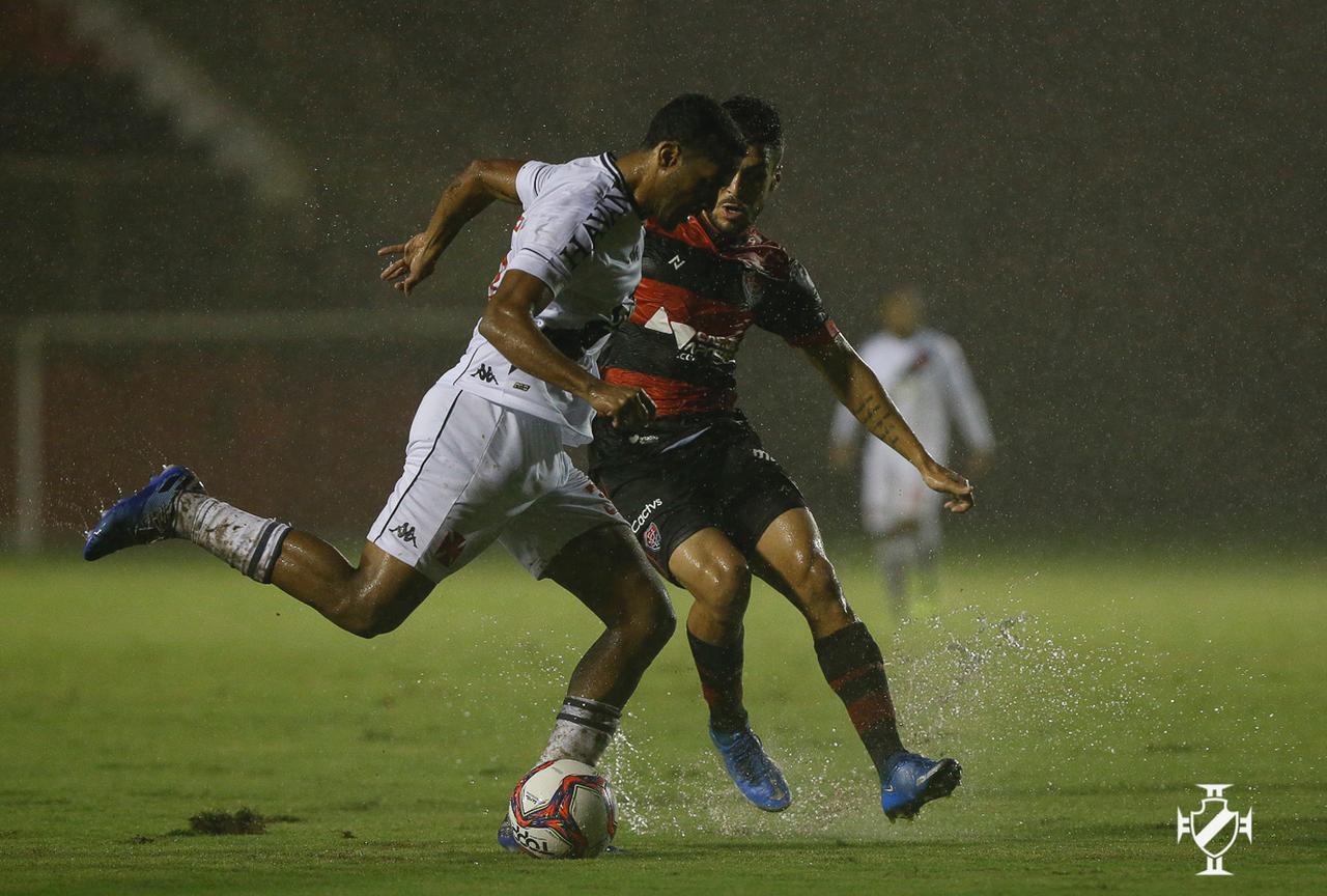 Vasco vence o Vitória pela Série B