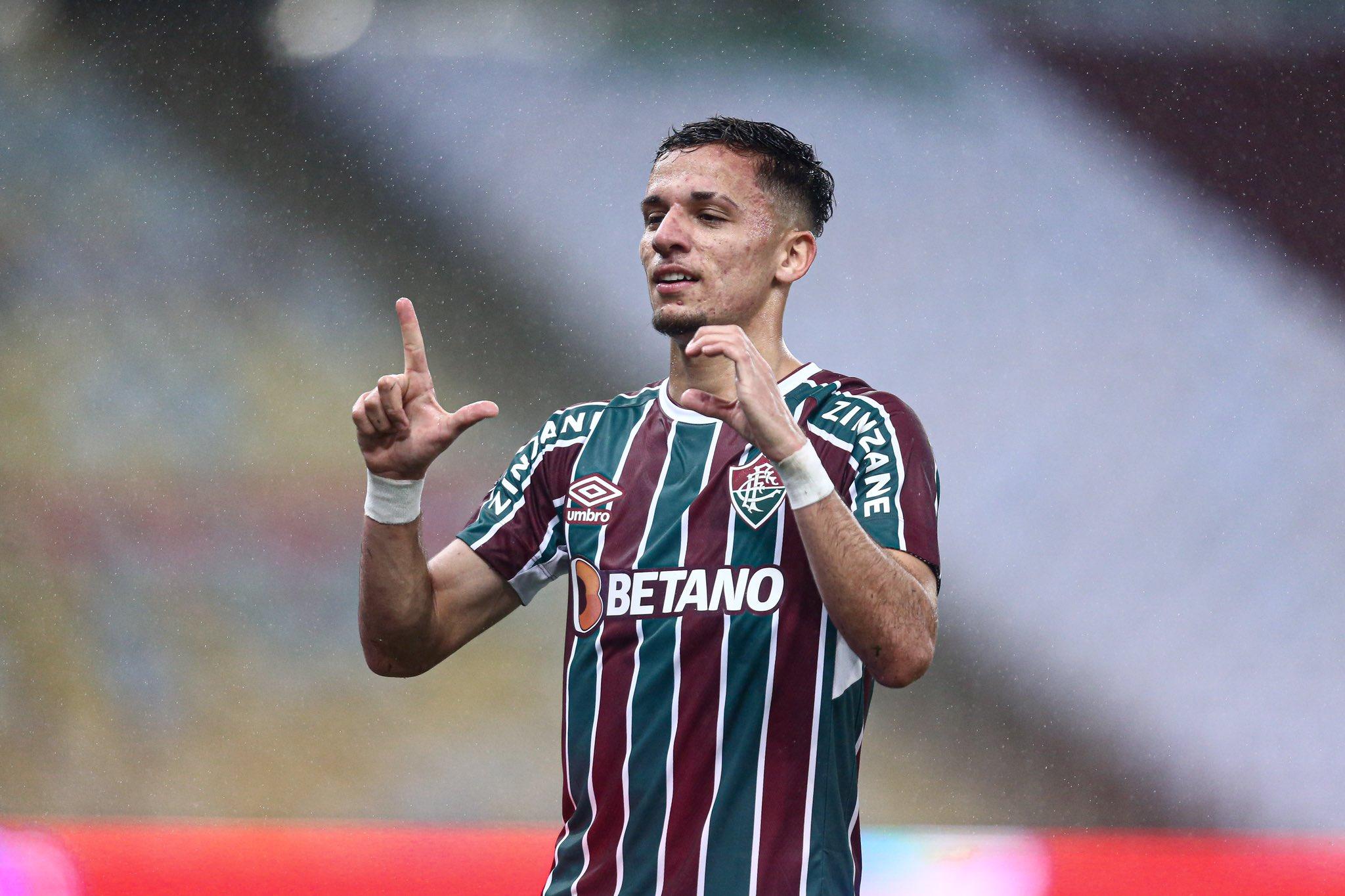 Gabriel Teixeira comemora gol sobre o Barcelona-EQU pelas quartas de final da Libertadores