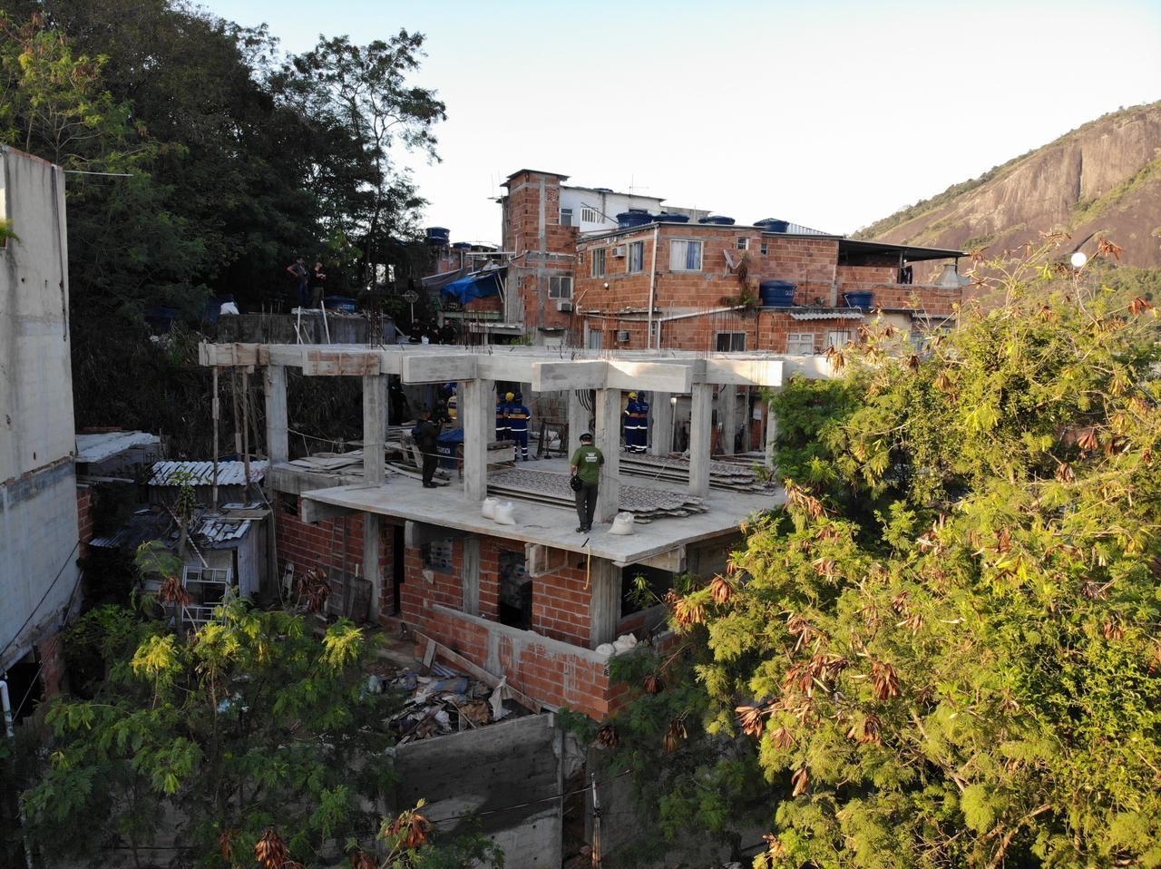 Obra irregular construída em comunidade da Zona Sul do Rio